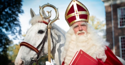 Sinterklaas en zijn paard Slechtweervandaag