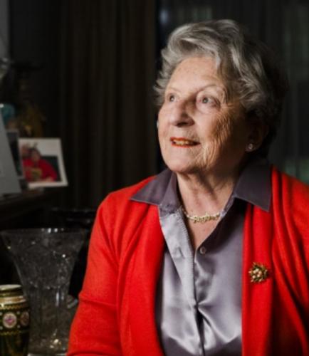 """Het verhaal van Regina Sluszny: """"Als kind dook ik onder, maar ik was gelukkig""""  Kinderen van de Holocaust (Canvas)"""